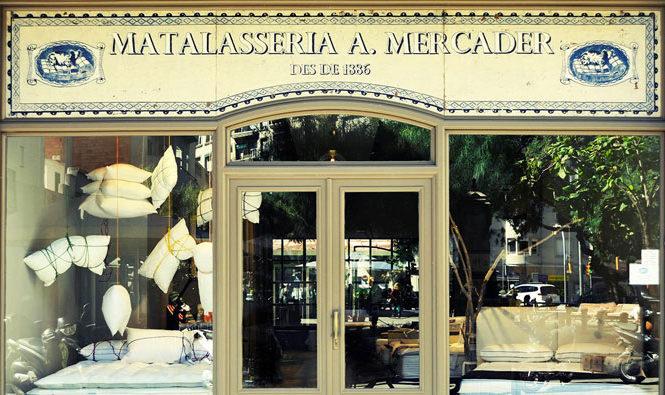 Entrada de la tienda La Matalasseria, distribuidor de SB Descanso.